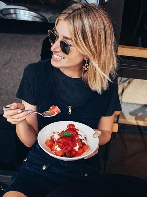 I'm a Food Blogger, and I NEVER Count Calories—This Is How I Stay Fit