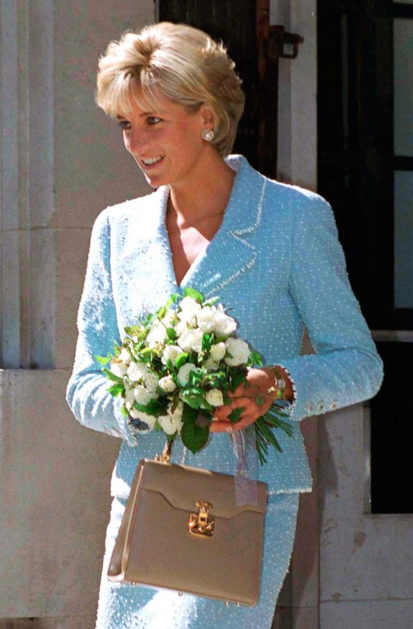 The Princess Diana Signatures That Everyone Is Wearing