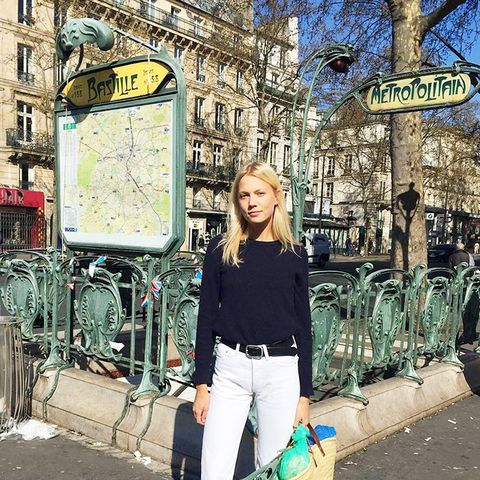7 It Girl–Approved Ways to Wear a T-Shirt and Jeans