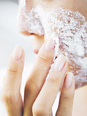 9 Ways Baking Soda Will Elevate Your Beauty Routine