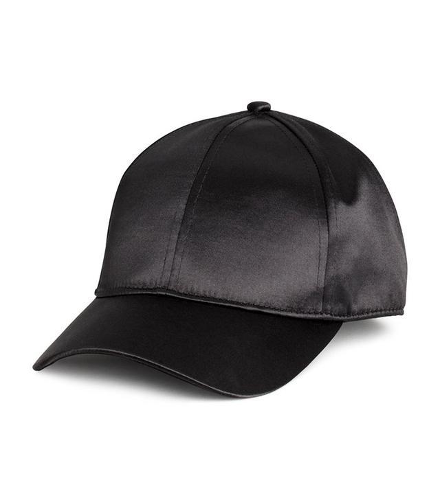 H&M Satin Cap in Black