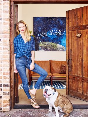 The Penny-Pincher's Guide to Decorating Like Brooklyn Decker