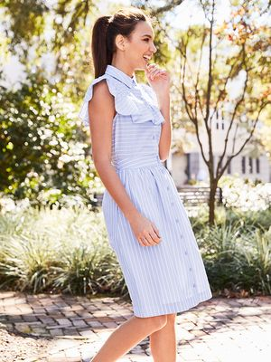 Looking to Simplify Spring Dressing? This Outfit Is the First Step