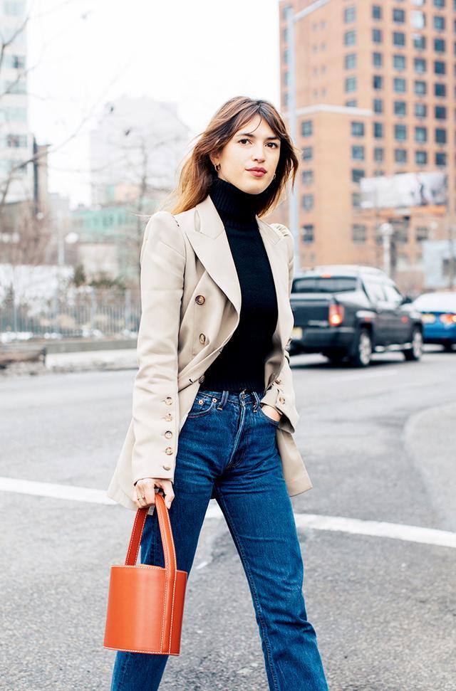 Why Isn T Anyone Buying This Handbag Style Anymore