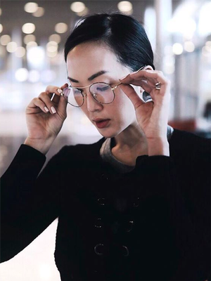 It's Possible to Train Your Eyes to Not Need Glasses—Here's How