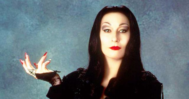 How to Create Morticia Addams's Iconic Look for Halloween ...