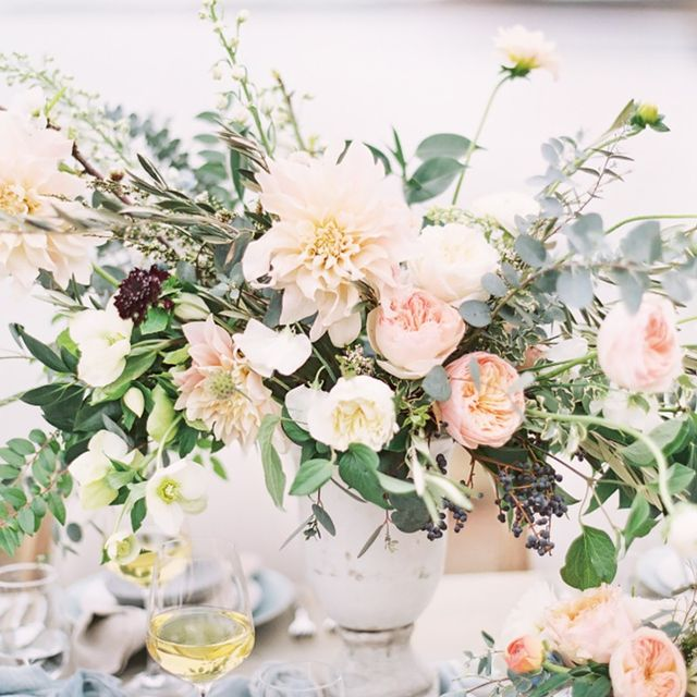A Celebrity Florist's Guide to the Best Wedding Flowers of 2016