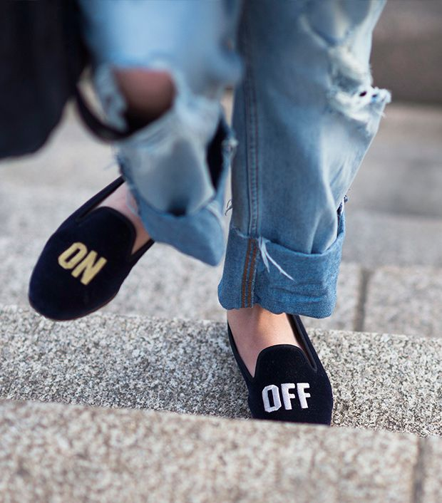 Style note: Let your feet do the talking with statement slippers.  Source: Le 21eme