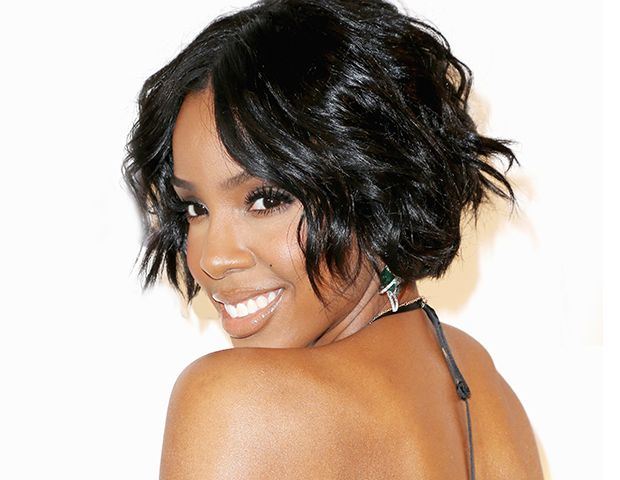 Exclusive: Kelly Rowland Shares Her Trick For Fuller Lips And Selfie-Taking Tips