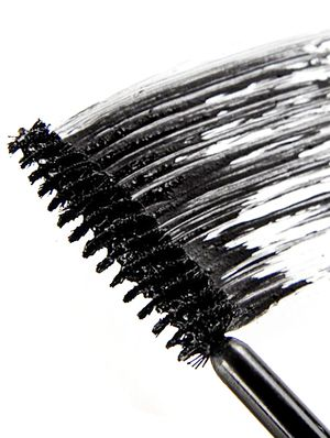 12 Eye-Opening Facts About Mascara