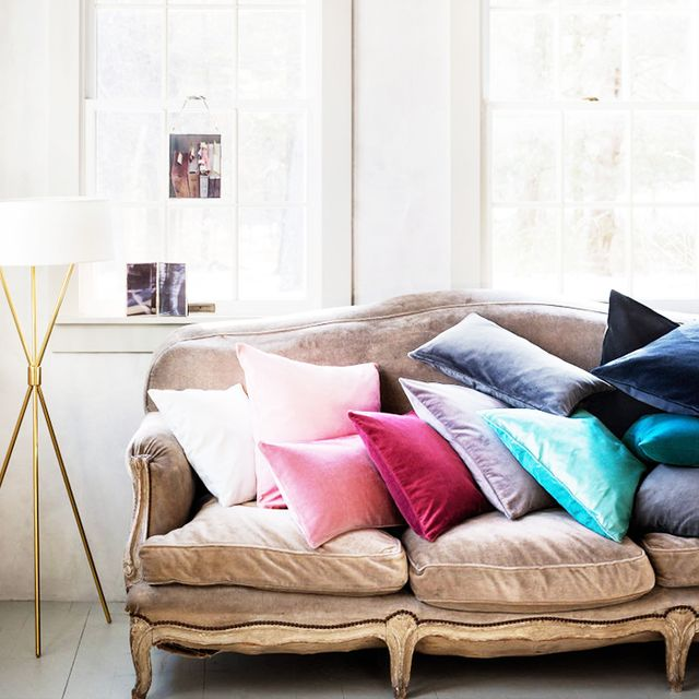 the best places to buy throw pillows online mydomaine. Black Bedroom Furniture Sets. Home Design Ideas