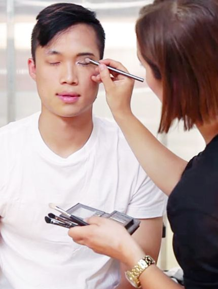 Watch 5 Men Try On Makeup For The First Time