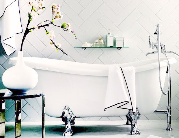 3 DIY Bath Recipes to Wash Away All of Your Beauty
