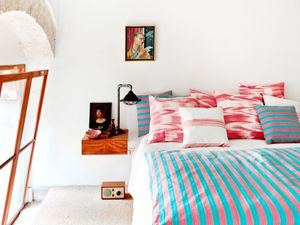 Get the Look: A Simply Bold Bedroom