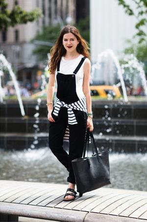 7 Ways to Wear Black Overalls