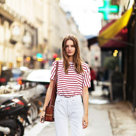 striped shirt white jeans street style