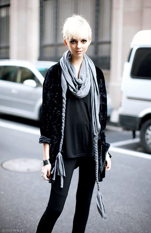Street Style: Statement Scarves