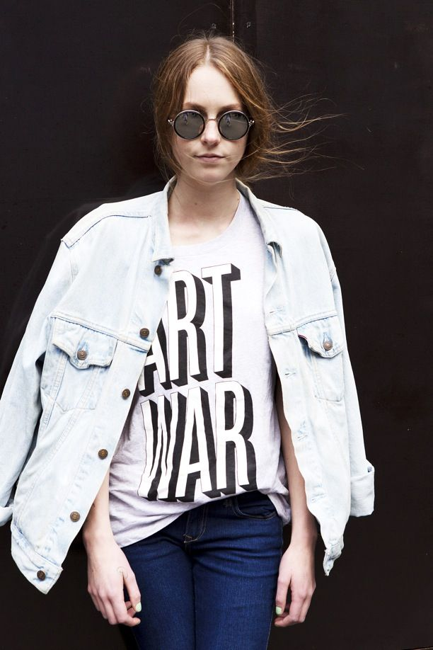 Street Style: Round Sunglasses, Jean Jacket + A Print Tee