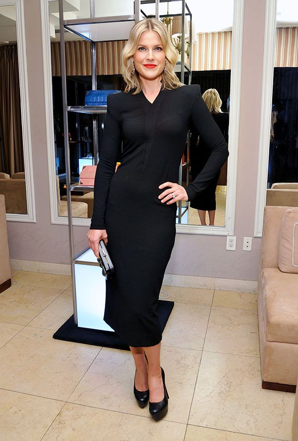 Look of the Day: Classic Black Dress