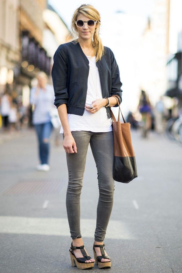 Street Style: Contrast + Colour-Block Totes