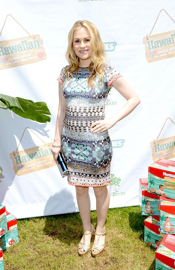 Look of the Day: Anna Paquin at the Baby2Baby Huggies Hawaiian Luau