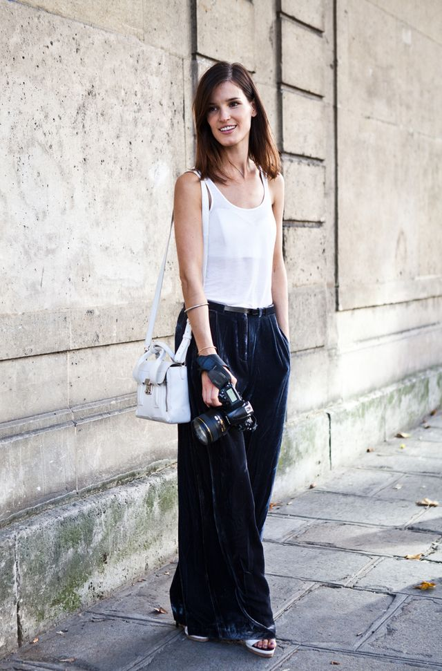 Street Style: White Tank Top and Wide Legs