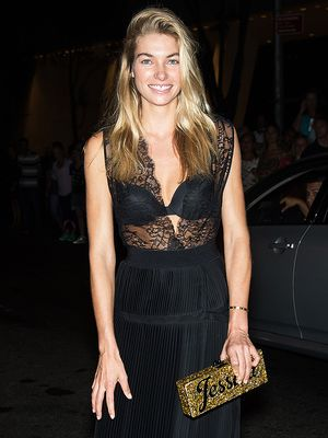Exclusive: What Jessica Hart Carries in Her Bag to Fashion Week