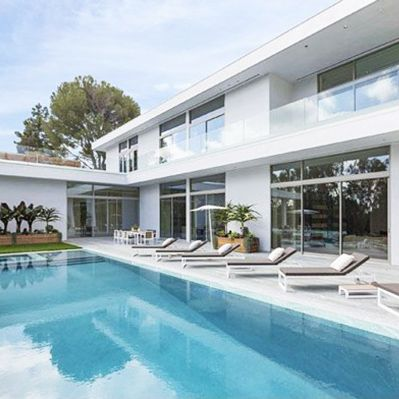 Tour Jay Z and Beyoncé's $45 Million Rental