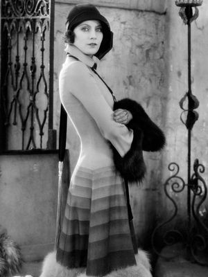 #TBT: 8 Greta Garbo Looks We're Still Talking About
