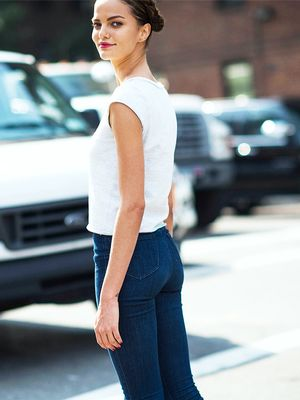 9 Places You Should Never Wear Jeans