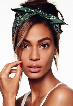 6 Ways To Wear A Bandana With Joan Smalls