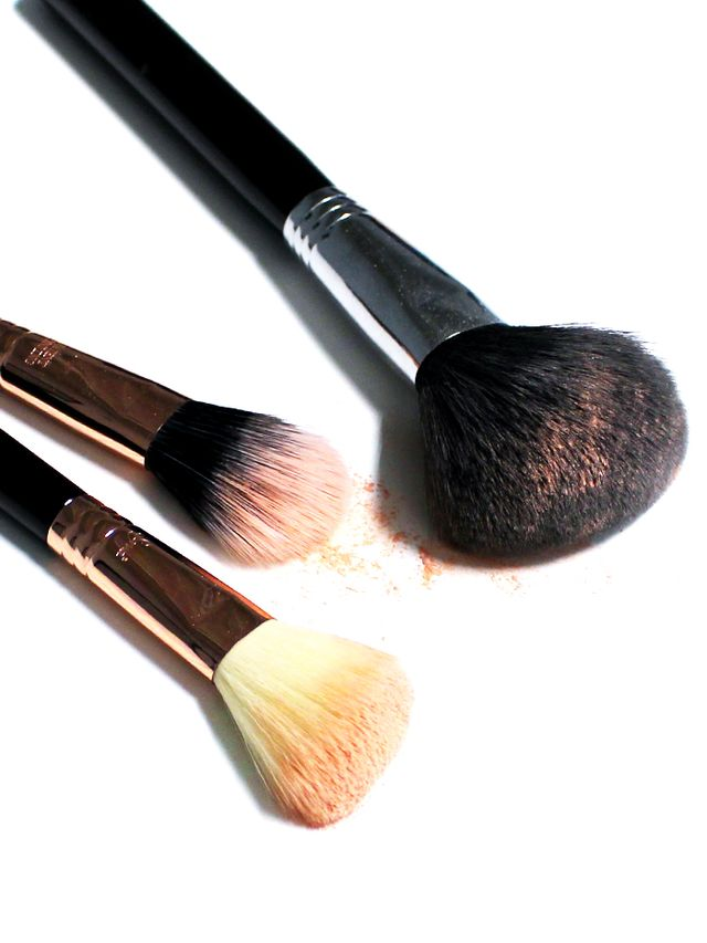 Are Dirty Makeup Brushes Ruining Your Skin (and More