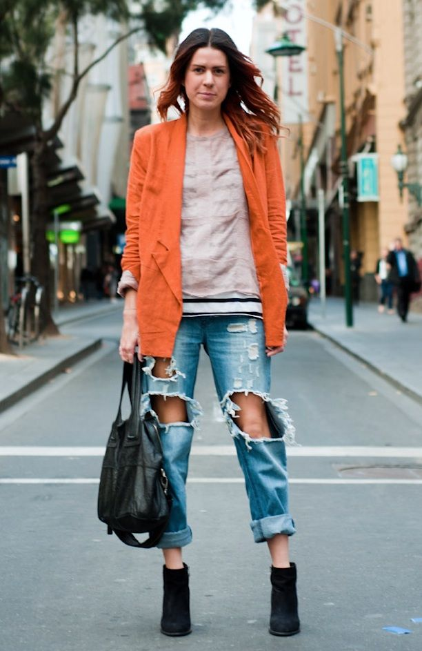 STREET STYLE: DISTRESSED DENIM