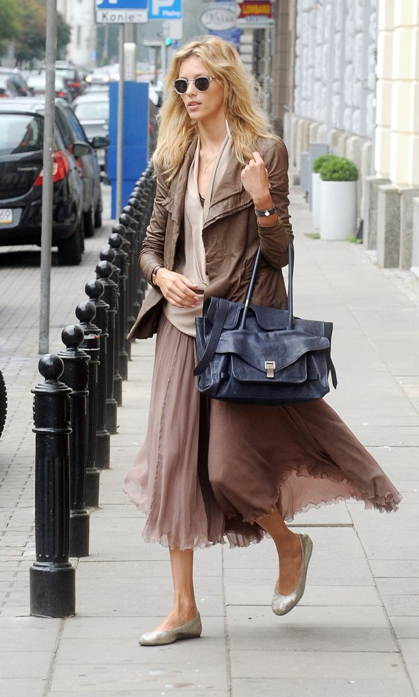 Look of the Day: Layered Neutrals