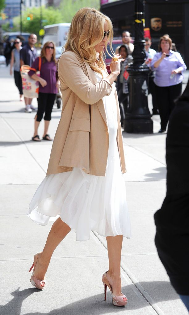 Look of the Day: Chic Mama-to-Be