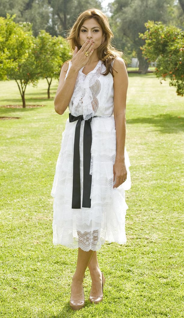 Look of the Day: Light + Airy