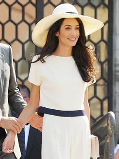 See amal alamuddins wedding dress