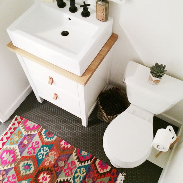 Before and After: A Tiny Powder Room Gets a Big Makeover