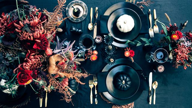 See the Most Elegantly Spooky Halloween Tablescape