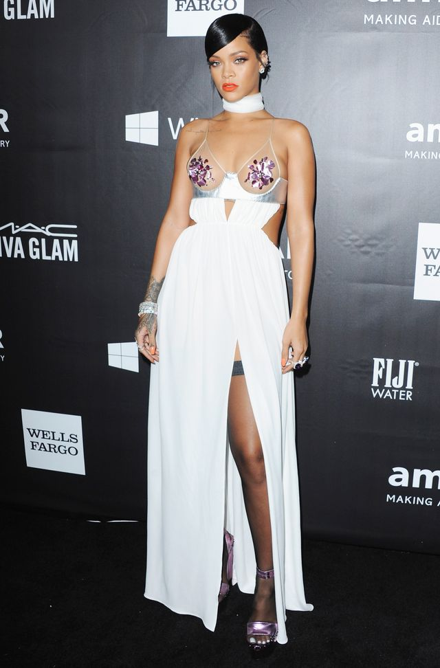 you to see the revealing dress rihanna just wore