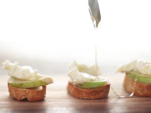 Pear and Gorgonzola Crostini