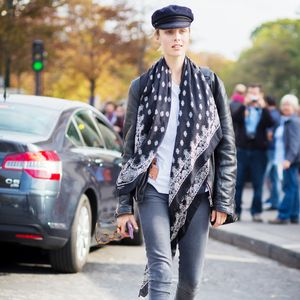 Fashionable Ways to Bundle Up With a Scarf