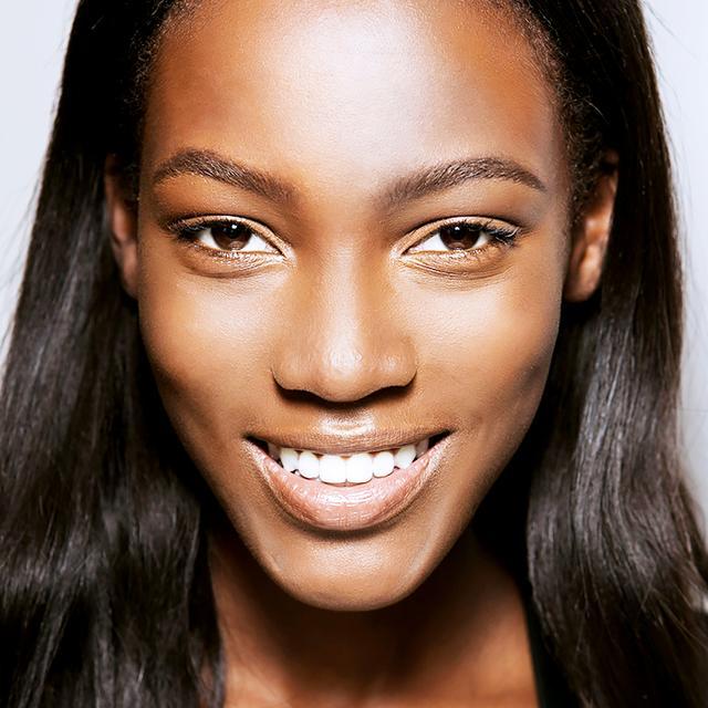 The Best Highlighters for Dark Skin Tones