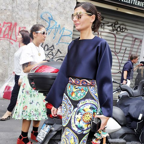 Giovannia Battaglia Printed Pencil Skirt Street Style