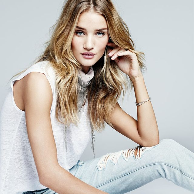 How to Dress Like Rosie Huntington-Whiteley This Spring