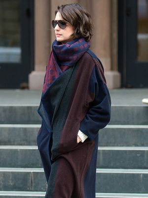 Found It: Anne Hathaway's Luxe Blanket Coat