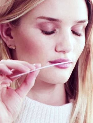 Scent Story: Rosie Huntington-Whiteley's New Fragrance for Autograph