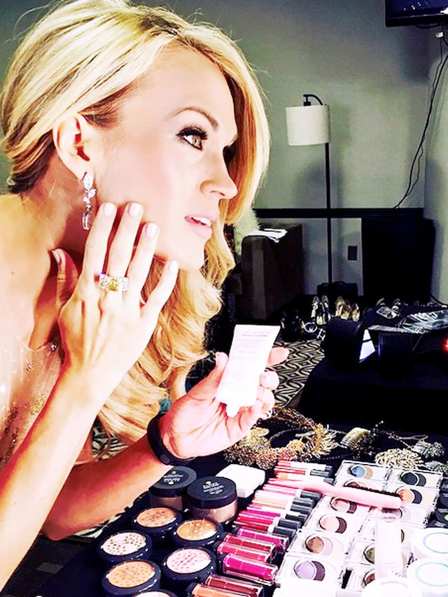 new underwood chat sites It's been several months since carrie underwood suffered a despite her forced relaxation, carrie revealed she has been busy working on new chat with us on.