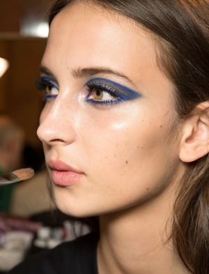 Backstage Beauty At The Atelier Versace Spring 2015 Couture Show