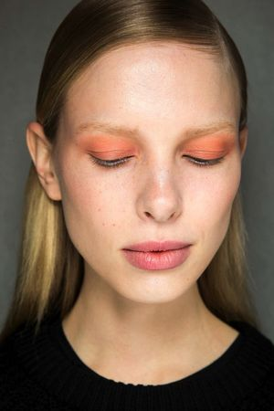 Sun-Kissed Eyes And White Eyeliner At Thakoon F/W 2015